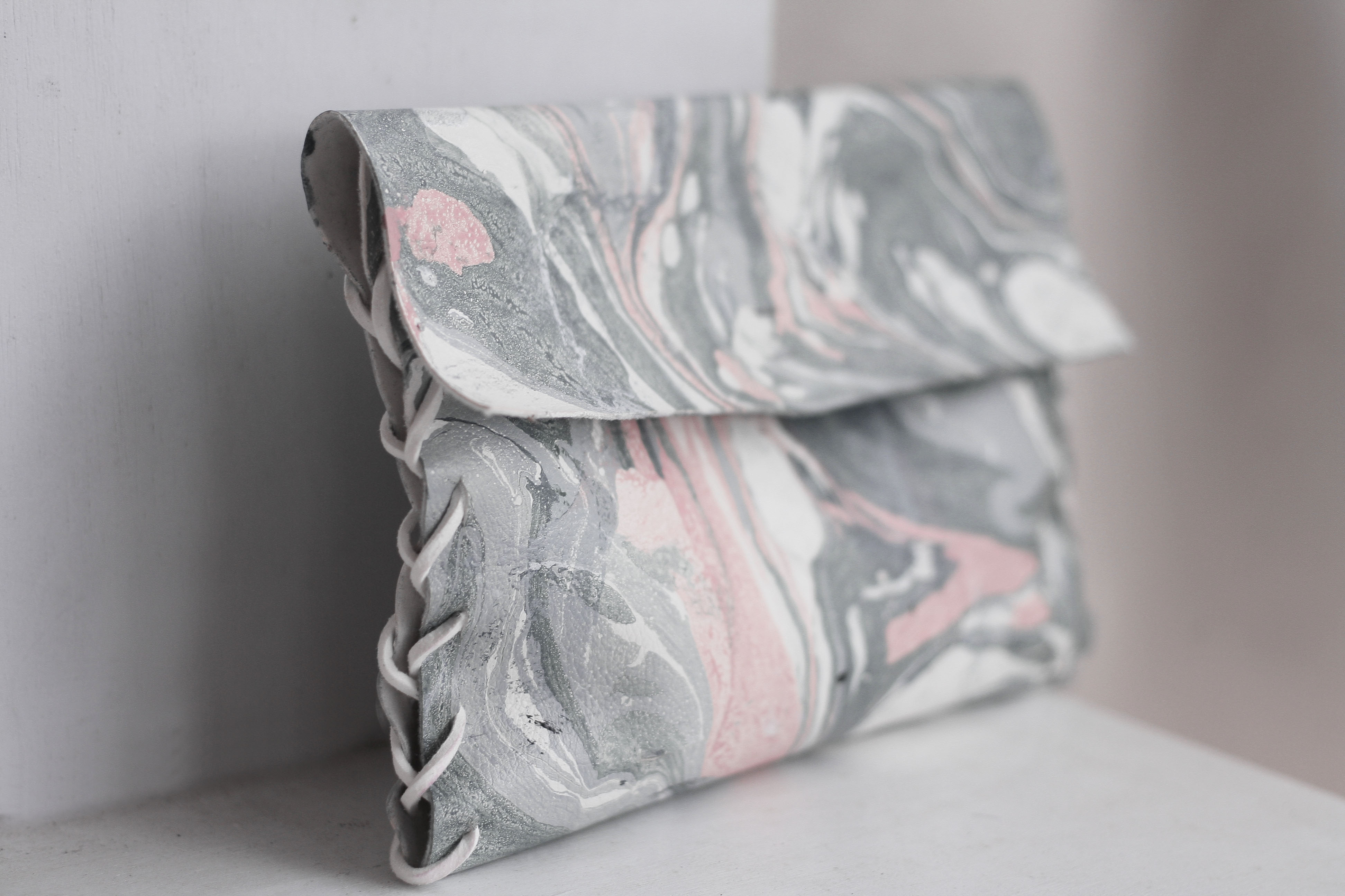 Learn How To Create Your Own Handmade Marble Leather Clutch - MauBelajarApa