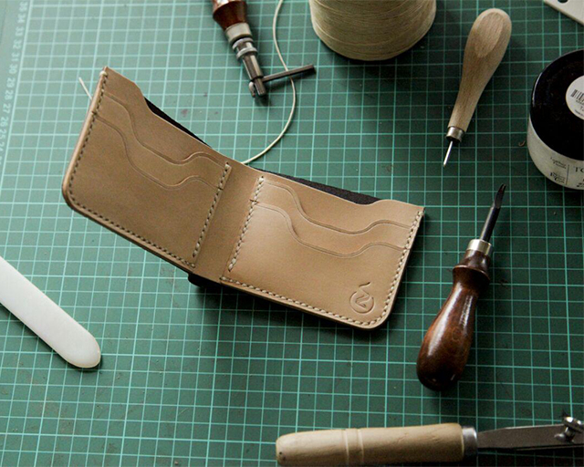 How Bifold Wallet Leather