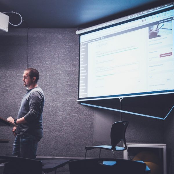 Learn The Art of Delivering Great Presentation To Your Audience