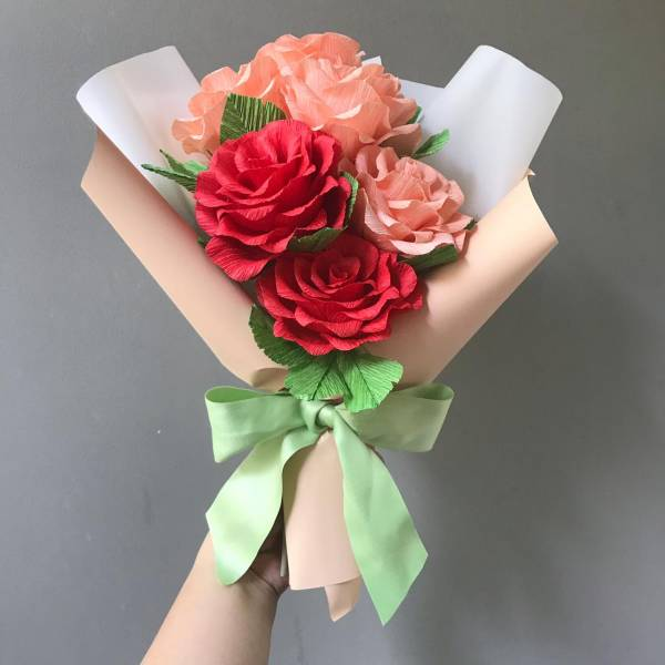 Wrapping Crepe Paper Flower Bouquet