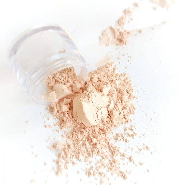 Learn How To Make Mineral Loose Powder And Blush On