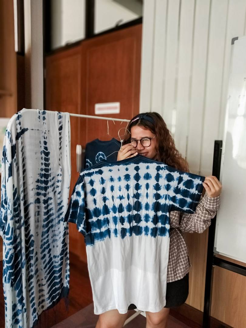 Learn How To Apply Shibori on T-Shirt
