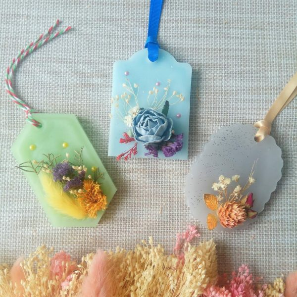 Learn How To Make Your Own Customize Botanical Wax Sachet