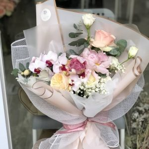 Learn How to Make Your Own Customize Flower Bouquet