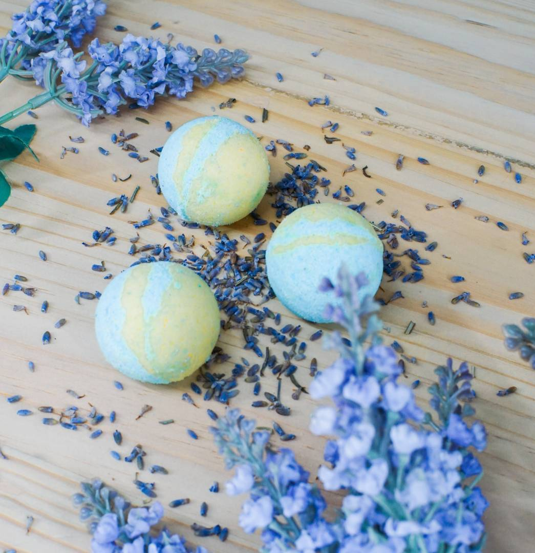 Learn How To Make Your Own Bath Bomb At Home