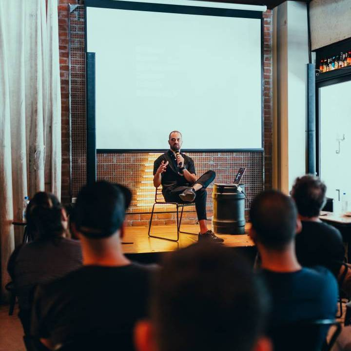 Learn The 7 Rules of Impressive Public Speaking