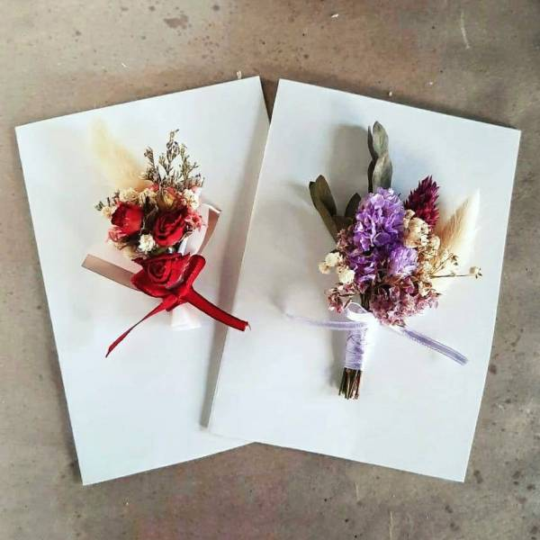 Learn How To Make Your Own Dried Flower Card